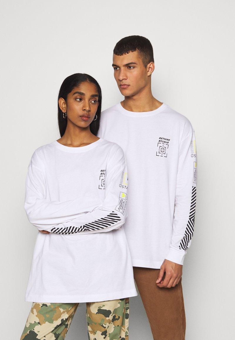 RETHINK Status - UNISEX - Bluzka z długim rękawem - white