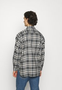 Levi's® - CLASSIC WORKER - Overhemd - greys - 2