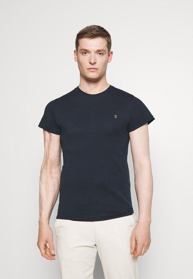 FARRIS 2 PACK - T-shirts - farah red marl/true navy