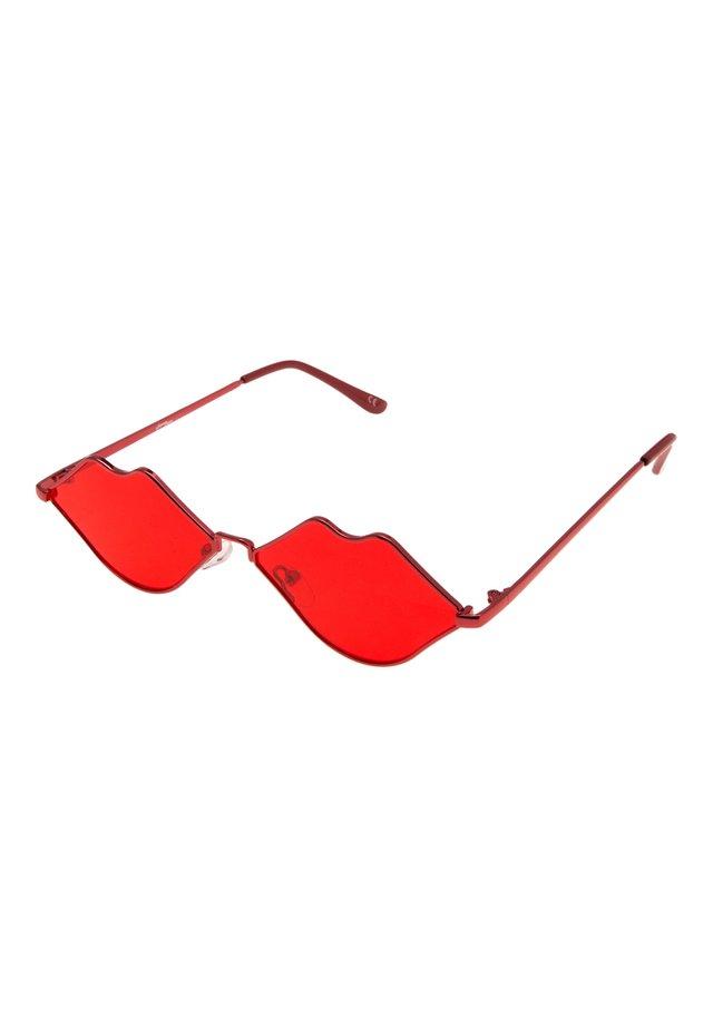 JP18325 - Sunglasses - red