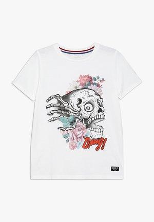 NKMHRUPKOTHA - T-shirt z nadrukiem - bright white