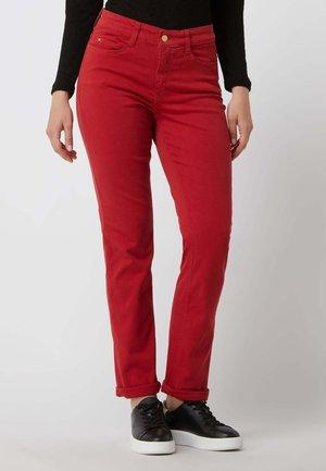 MODELL 'DREAM' - Slim fit jeans - rot