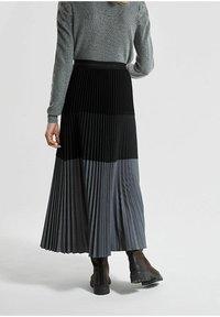IKKS - Pleated skirt - noir - 1