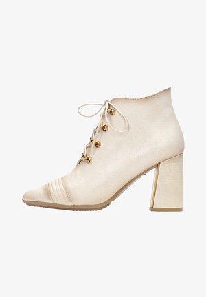 Kotníková obuv na vysokém podpatku - vainilla multi