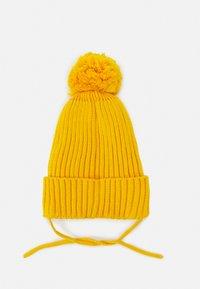 Mini Rodini - EDELWEISS POMPOM HAT UNISEX - Beanie - yellow - 1