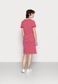 Tommy Hilfiger - ABO REGULAR T-SHIRT DRESS - Jersey dress - classic brenton/primary red - 2