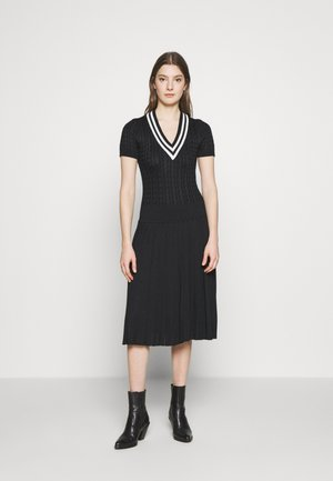 MATTE - Pletené šaty - black