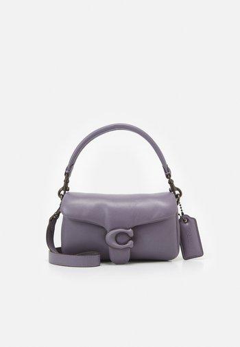COVERED C CLOSURE PILLOW TABBY SHOULDER - Sac à main - vintage purple