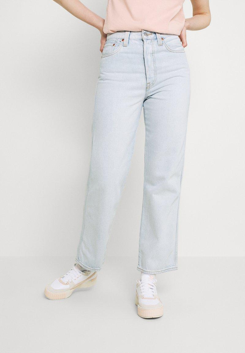 Levi's® - RIBCAGE STR ANK RAINBOW - Jeans straight leg - light-blue denim