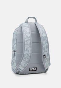Nike Sportswear - HERITAGE UNISEX - Rucksack - summit white/light smoke grey/black - 1