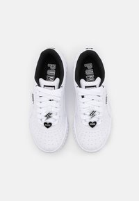 Puma - CALI GALENTINES  - Sneakers basse - white/black - 5