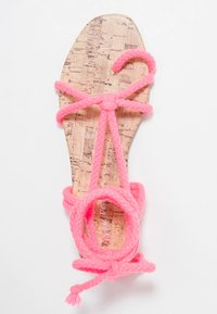 Public Desire - MOJITO - Sandály s odděleným palcem - pink - 3