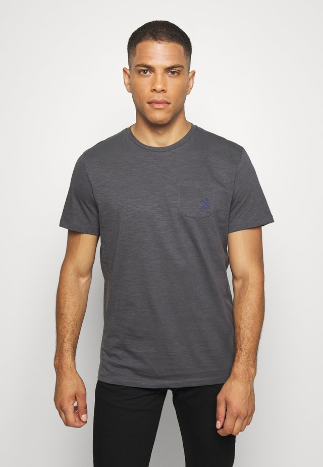 WITH POCKET - Basic T-shirt - tarmac grey