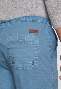 INDICODE JEANS - THISTED - Shorts - aegean blue - 5