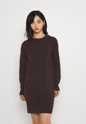 VMDOFFY O NECK DRESS - Strikket kjole - port royale