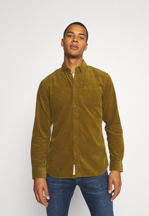 ZACH - Shirt - fir green