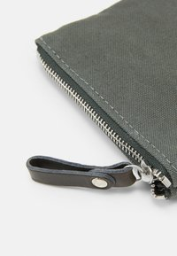 Vanessa Bruno - CABAS TROUSSE - Other - green - 3