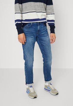 OREGON - Jeans Tapered Fit - denim blue