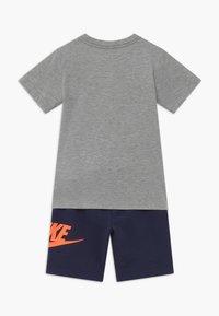 Nike Sportswear - SET - Pantalones deportivos - midnight navy - 1