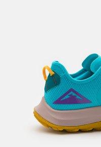 Nike Performance - AIR ZOOM TERRA KIGER 7 - Scarpe da trail running - turquoise blue/white/mystic teal/university gold/wild berry - 5