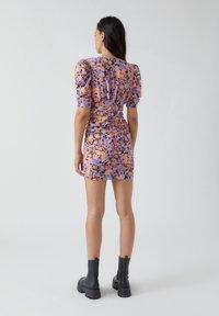 PULL&BEAR - Pouzdrové šaty - mottled purple - 2