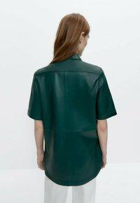 Uterqüe - Leather jacket - green - 2