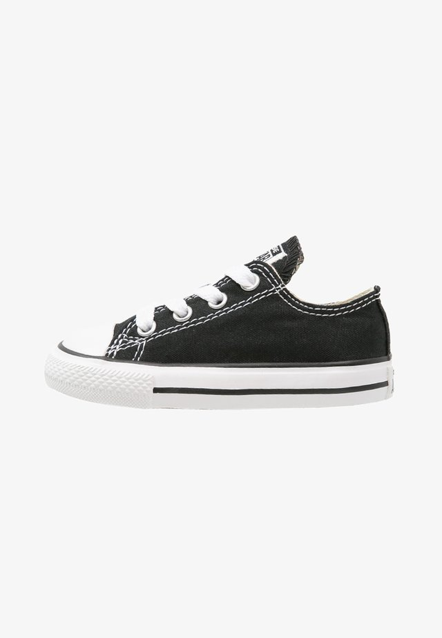 CHUCK TAYLOR ALL STAR CORE - Sneakersy niskie - black