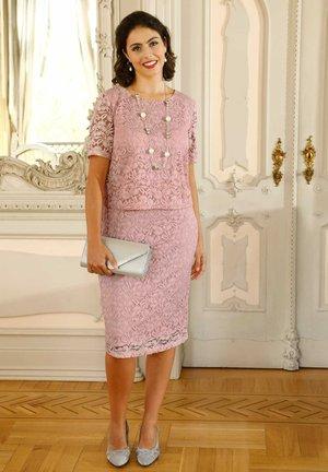 Cocktail dress / Party dress - rosé
