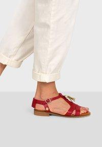 Pataugas - ARTEMIS F2G - Sandals - red - 0