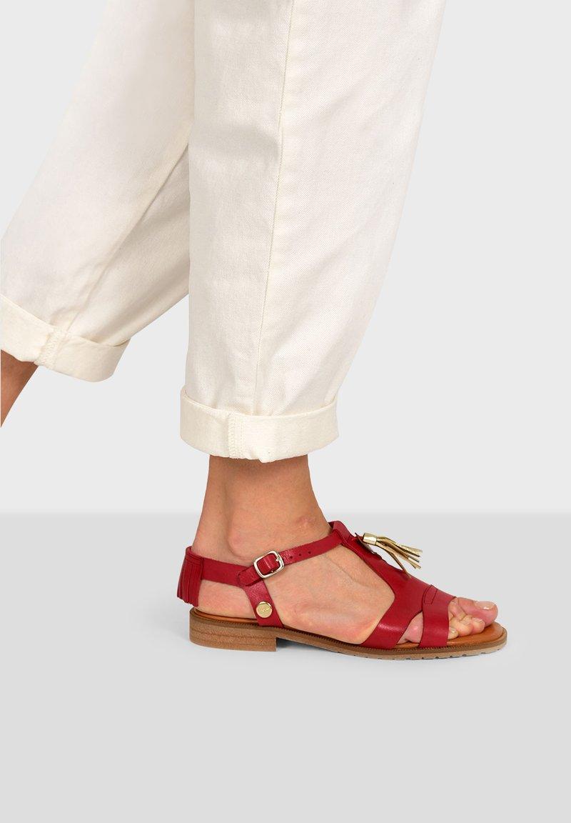 Pataugas - ARTEMIS F2G - Sandals - red