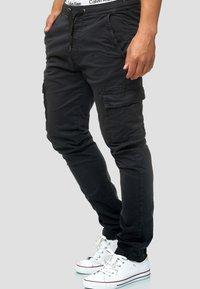 INDICODE JEANS - BROADWICK - Cargo trousers - black - 3