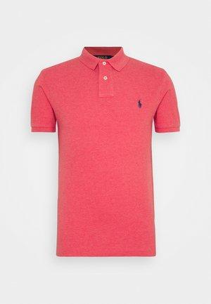 SLIM FIT MODEL - Polo shirt - highland rose