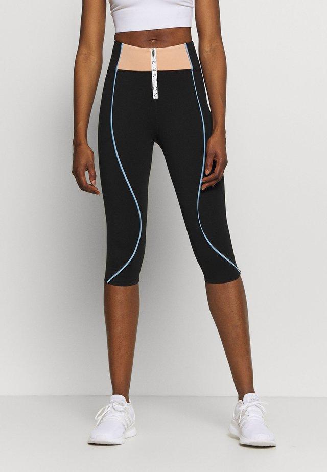 CROSS OVER LEGGING - Pantaloncini 3/4 - black