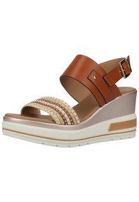 NeroGiardini - Wedge sandals - cognac - 1