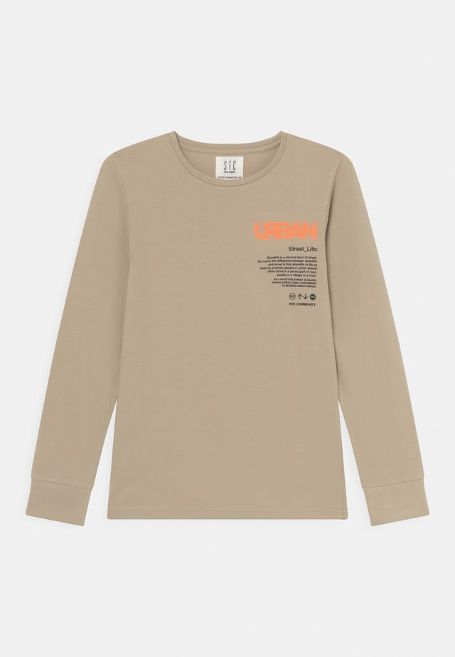 Langærmede T-shirts - beige