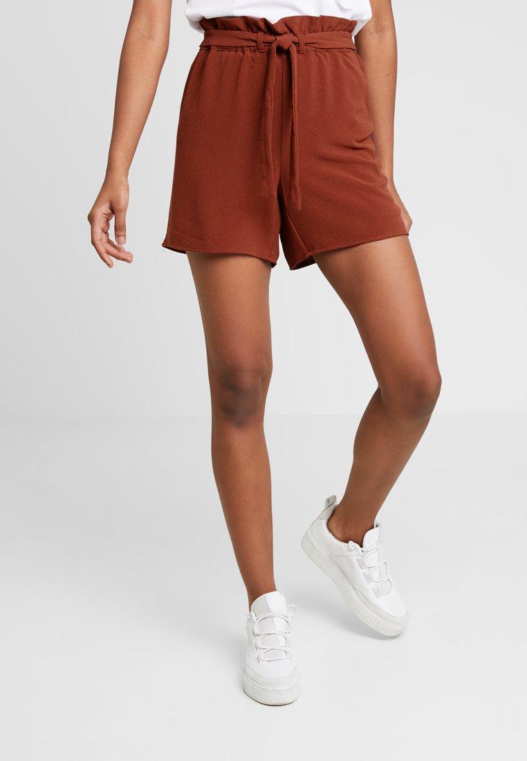 ONLY - ONLTURNER PAPER BAG  - Short - russet brown