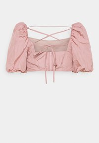 Missguided Petite - PUFF SLEEVE TIE BACK DETAIL CROP TOP - Blouse - pink - 1