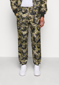 Versace Jeans Couture - RISTOP LOGO BAROQUE - Pantaloni sportivi - nero - 2