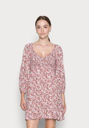 LONG SLEEVE DRESS - Denní šaty - pink