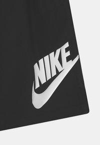 Nike Sportswear - Shortsit - black/iron grey/white - 2