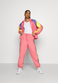 adidas Originals - TRACK - Summer jacket - hazy rose/acid yellow/joy purple - 1