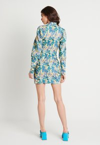 NA-KD - HIGH NECK ELASTIC DETAIL DRESS - Shift dress - yellow - 2