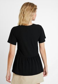 New Look - TEXTURED PEPLUM TOP - T-shirts med print - black - 2