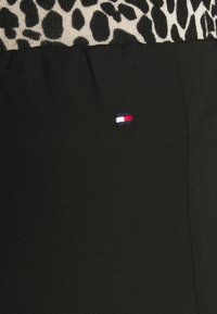 Tommy Hilfiger Curve - Trousers - black - 4