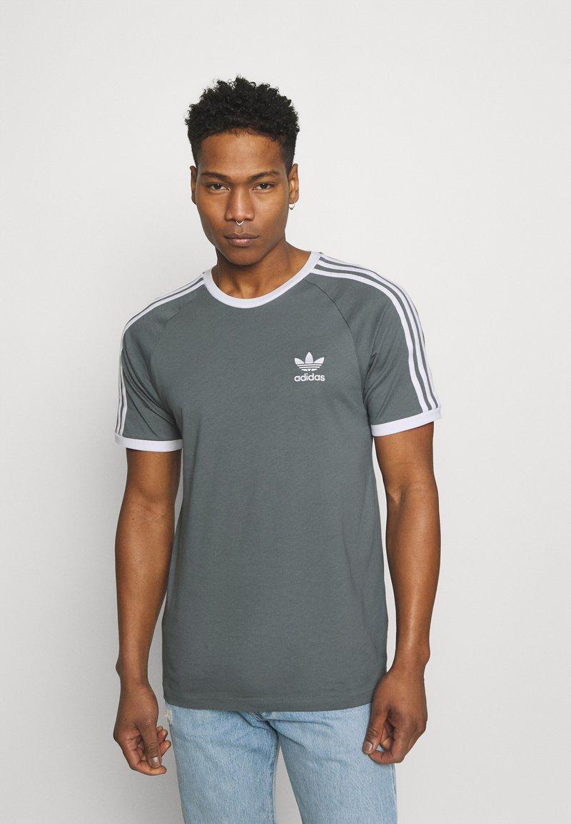 adidas Originals - STRIPES TEE - T-shirt con stampa - blue oxide