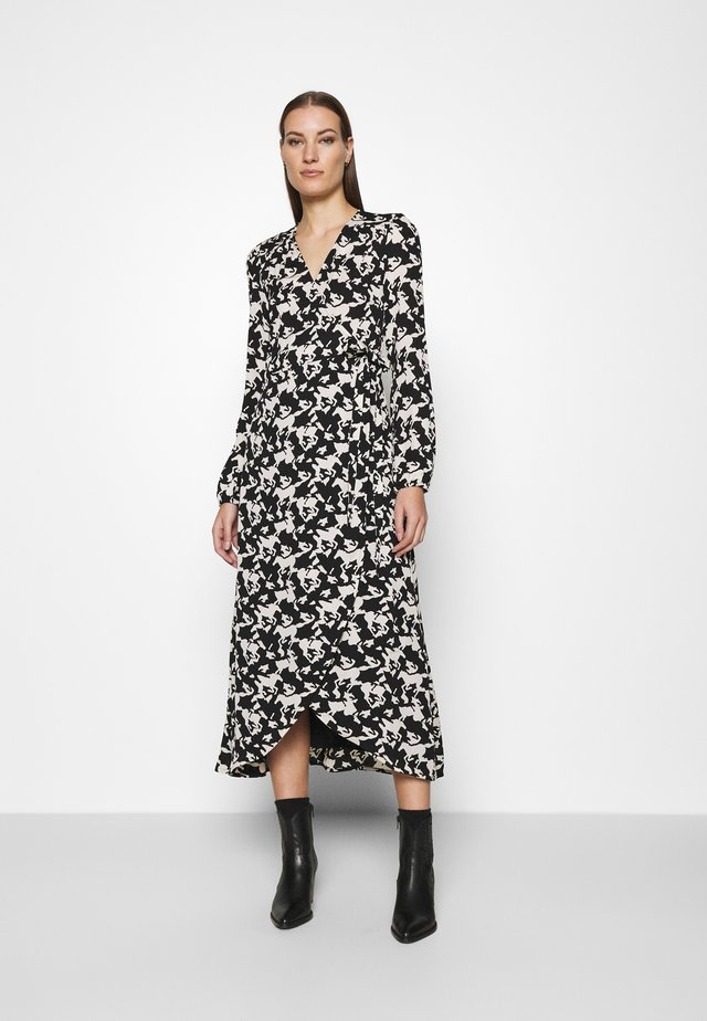 NATASJA DRESS - Maksimekko - black/warm white