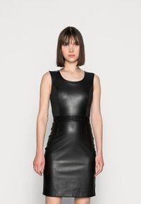 Calvin Klein - SCOOP NECK DRESS - Sukienka etui - black - 0