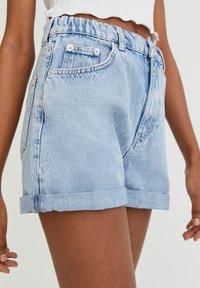 PULL&BEAR - Shorts di jeans - light blue - 4