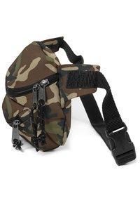 Eastpak - DOGGY BAG CORE COLORS - Bum bag - camo - 4