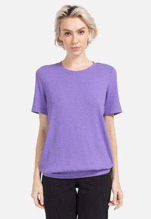 T-shirt print - helllila